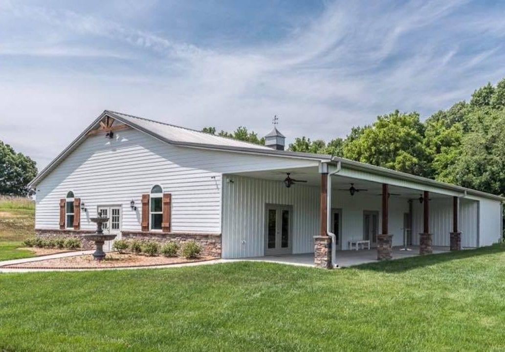 Countryside Chalet - KC Wedding Barn