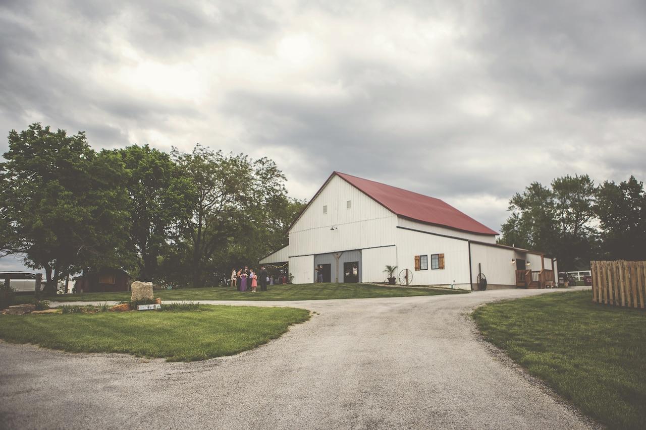 Tobacco Barn Farm - Kansas City Barn Venue