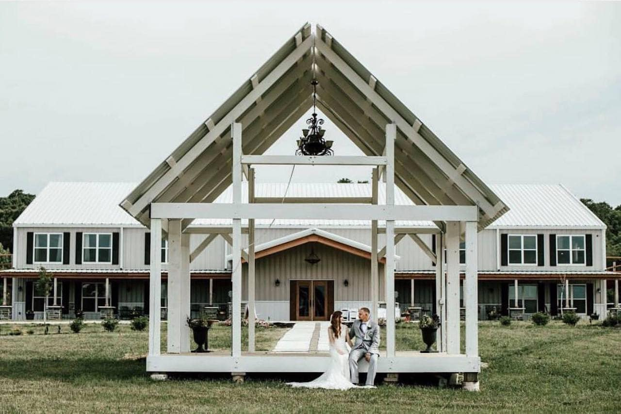 Deer Ridge Barn - Kansas City Wedding