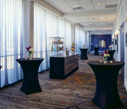 Marriott_KCI_Foyer_Bar