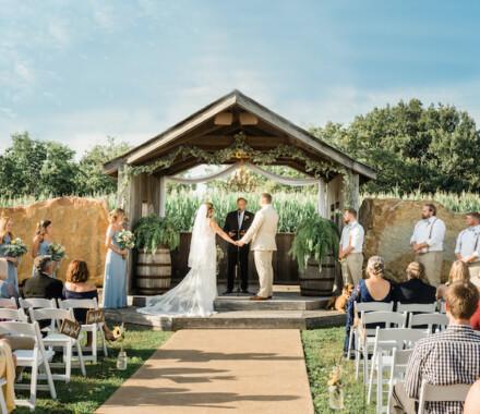 Berry Acres Wedding Venue Kansas City ceremony