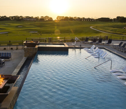 Canyon Farms Golf Club Kansas City Wedding Venue pool