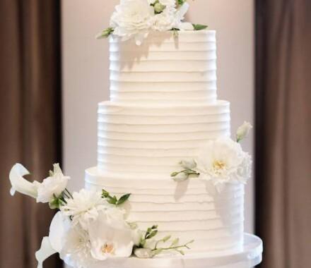 Clever Cakes Wedding Dessert Kansas City white