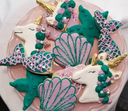 Crumbs and Confections Kansas City Wedding Cake Dessert cookies