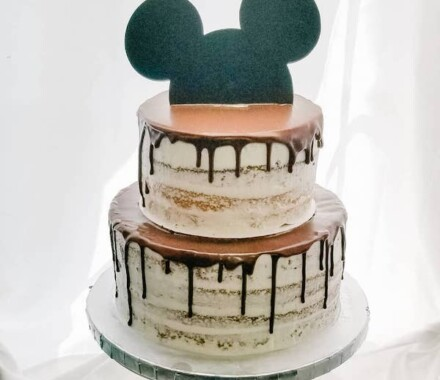 Crumbs and Confections Kansas City Wedding Cake Dessert mickey