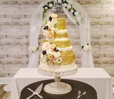 Crumbs and Confections Kansas City Wedding Cake Dessert plank