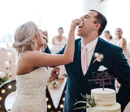 Crumbs and Confections Kansas City Wedding Cake Dessert smash