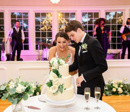 Hawthorne House Wedding Venue Kansas City cake