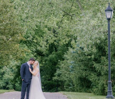 Hawthorne House Wedding Venue Kansas City path