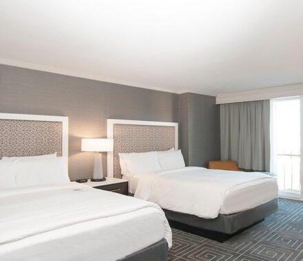 Intercontinental Hotel Kansas City Wedding Venue Plaza Accommodations beds