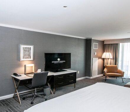 Intercontinental Hotel Kansas City Wedding Venue Plaza Accommodations room
