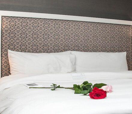 Intercontinental Hotel Kansas City Wedding Venue Plaza Accommodations rose