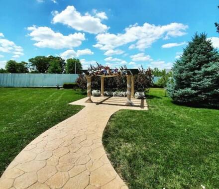 The Rhapsody Kansas City Wedding Venue lawn