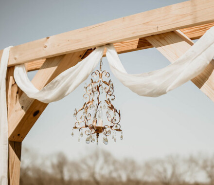 Tobacco Barn Farm Kansas City Wedding Venue arbor