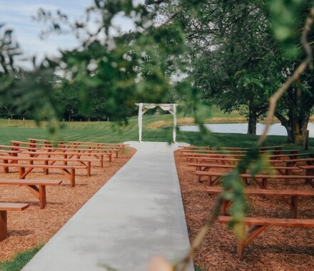 Tobacco Barn Farm Kansas City Wedding Venue ceremony