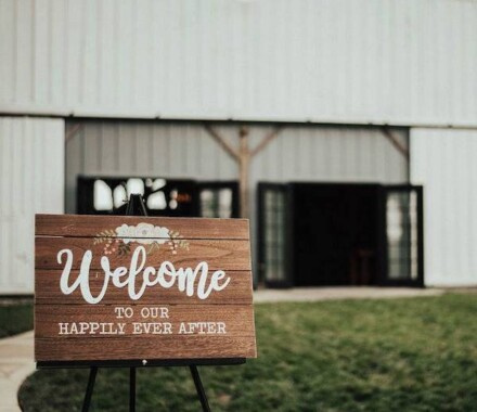 Tobacco Barn Farm Kansas City Wedding Venue sign
