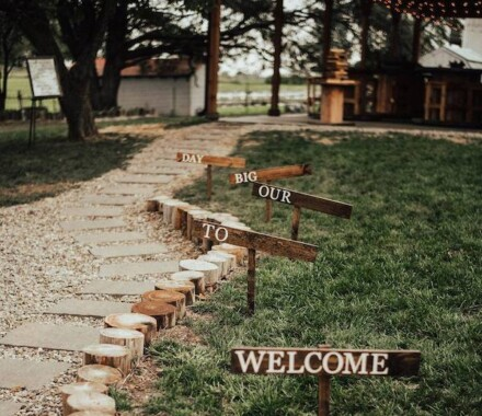 Tobacco Barn Farm Kansas City Wedding Venue signs