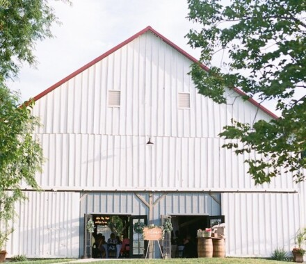 Tobacco Barn Farm Kansas City Wedding Venue white