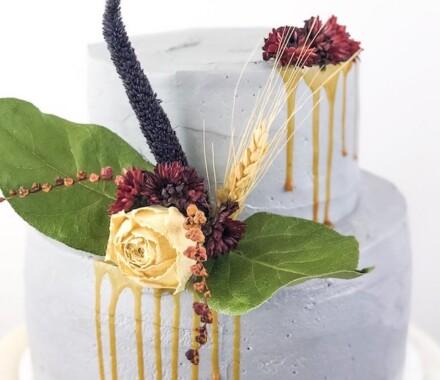 Water to Wheat Cakery Kansas City Wedding Cake drip