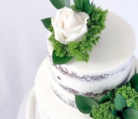 Water to Wheat Cakery Kansas City Wedding Cake green